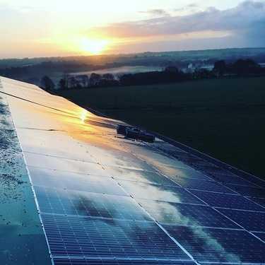 Nettoyage de 450m2 de panneaux photovoltaïques - Secteur Saint-Gonnery