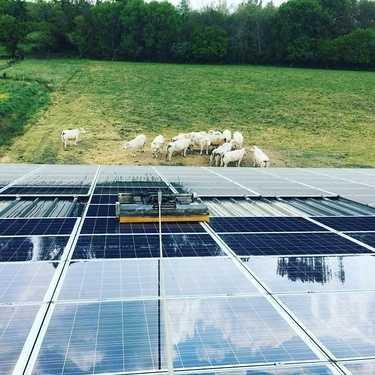 Nettoyage panneaux solaires exploitation agricole - Plouarsel Finistère