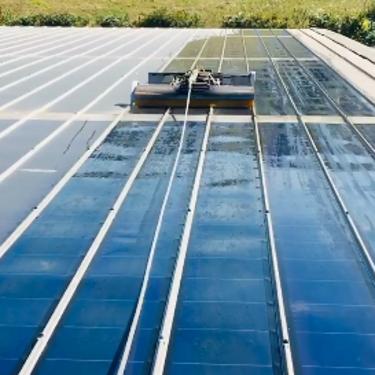Nettoyages panneaux photovoltaïques amorphes- en vidéo